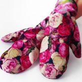 Rękawiczki zimowe CHERRISH Różowe Kwiaty dłonie