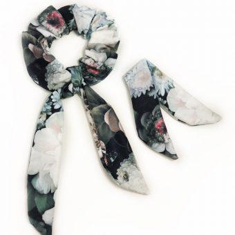 scrunchie-frotka-cherrish-czarne-kwiaty